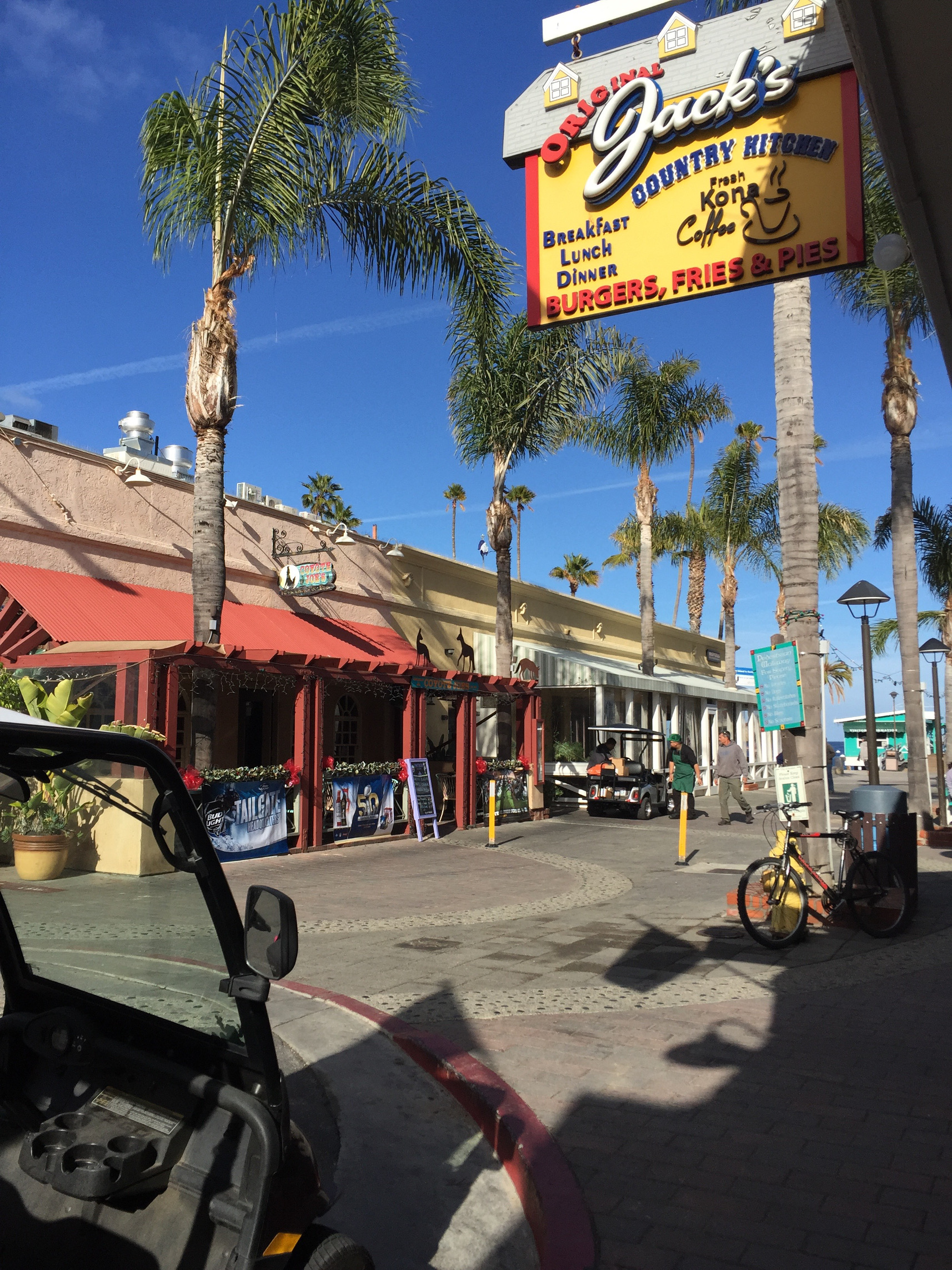 Casual, Restaurants, Food and Drink, Avalon, Catalina Island, California, Los Angeles