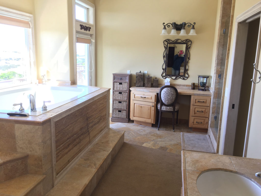 High Ridge Manor, Paso Robles, California, Travel