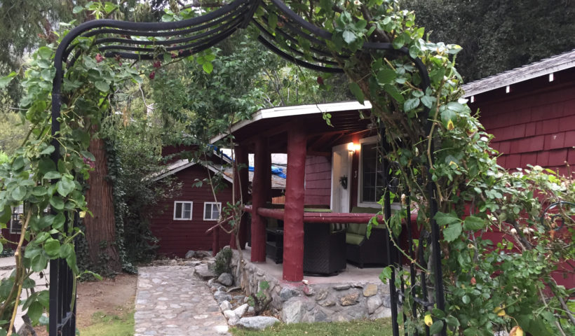 Mt Baldy Lodge cabins