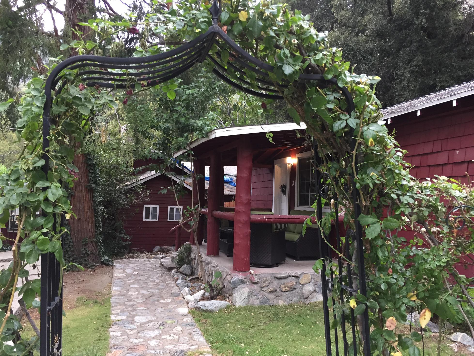 Mt Baldy Lodge cabins