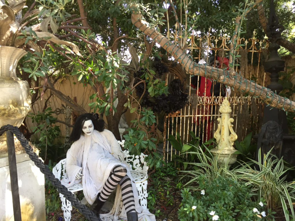 Best Halloween Decorations in LA